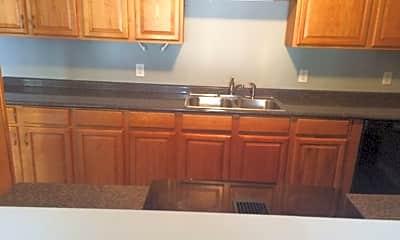 Kitchen, 5515 Greenleaf Rd, 2