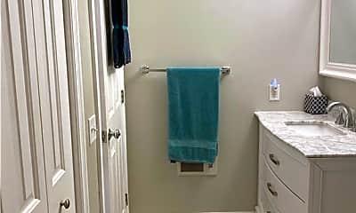 Bathroom, 385 Westminster St 4E, 2