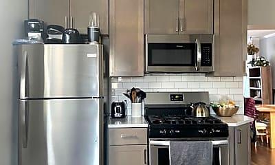 Kitchen, 1633 W Pierce Ave, 1