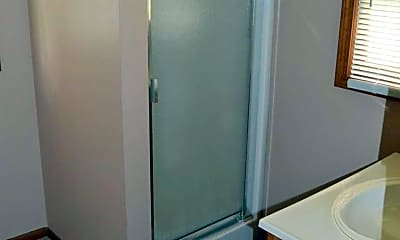 Bathroom, 101 SW Buchanan St, 2