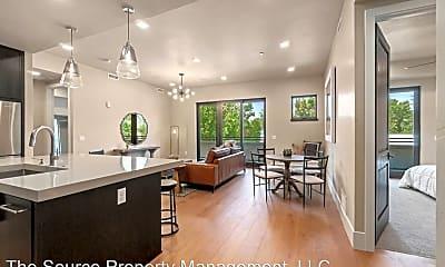 Living Room, 302 N Meldrum St, 0