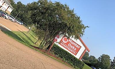 Hunter Oaks Apts, 1