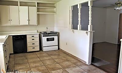 Kitchen, 811 N Bivins St, 1
