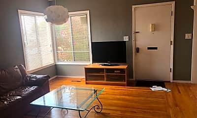 Living Room, 1242 Everett St, 1