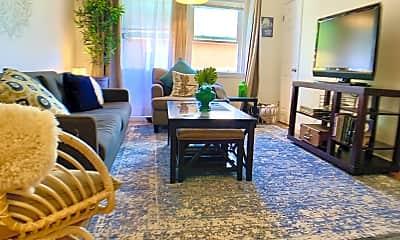 Living Room, 4420 Illinois St, 0