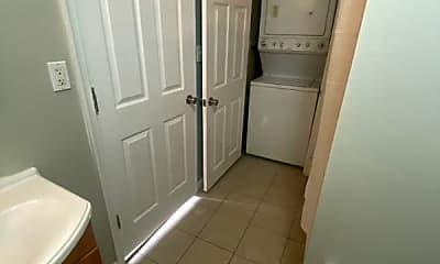 Bathroom, 2601 Frankford Ave, 2
