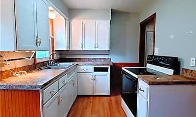 Kitchen, 131 Forest-Park Dr, 1
