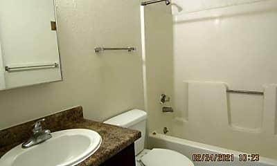 Bathroom, 1615 E University Ave, 2