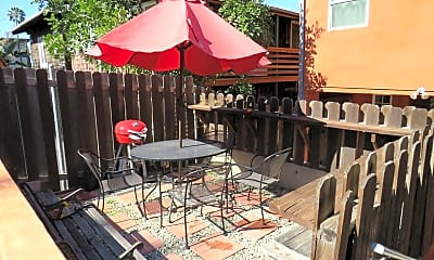 Patio / Deck, 951 Hyperion Ave, 1