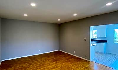 Living Room, 1421 College View Dr, 1