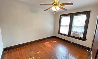 Bedroom, 2498 Indianola Ave, 2