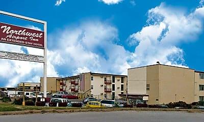 Building, Northwest Airport Inn, 1