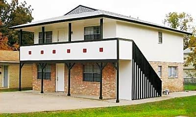 Building, 607 N Elm St B, 0