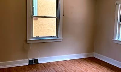 Bedroom, 2016 Victoria Ave, 1