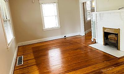 Living Room, 3092 Eastmont Ave, 1