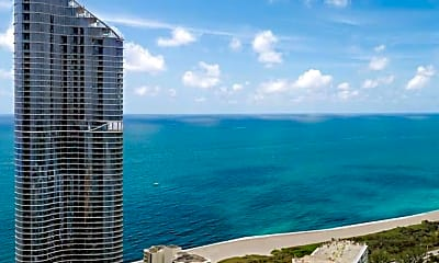 Luxury Beach Living.. 100 Bayview Dr, 0