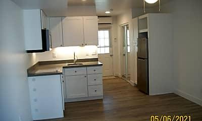 Kitchen, 5270 Diamond Dr C, 1