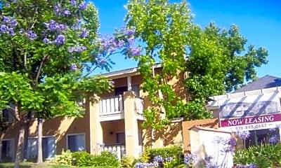 Lakeview Park Apartments, 2