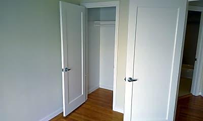 Bedroom, 347 Green St, 2