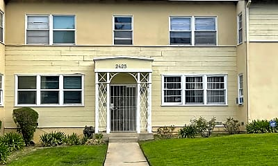 Building, 2425 Silver Lake Blvd, 1