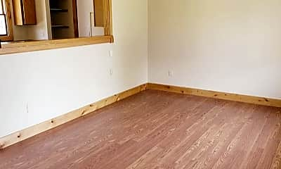 Bedroom, 302 N Yellowstone Ave, 1