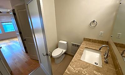 Bathroom, 1810 Polk St, 2