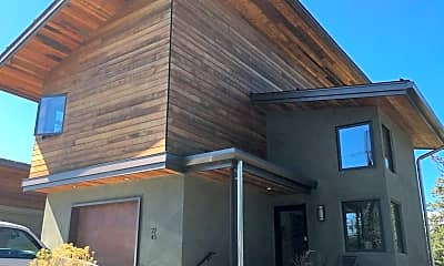 Patio / Deck, 24 NW Shasta Pl, 1