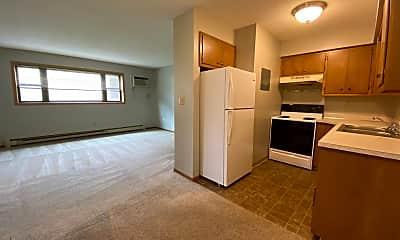 Living Room, 1002 Oak St N, 1