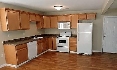 Kitchen, 1044 S Walnut St, 1