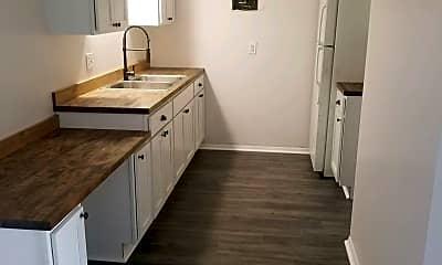 Kitchen, 605 S Bridge St, 1