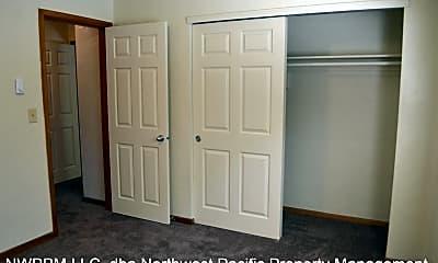 Bedroom, 807 Liberty St SE, 2