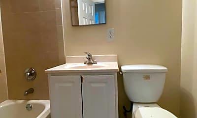 Bathroom, 7512 Hawthorne St 5, 2