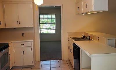 Kitchen, 307 Highland Oaks Dr, 2