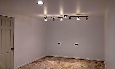 Living Room, 4821 Edgewood Hills Dr, 2