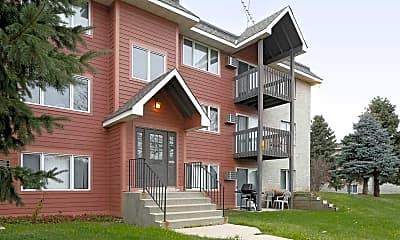 Building, Woodridge Apartments, 0
