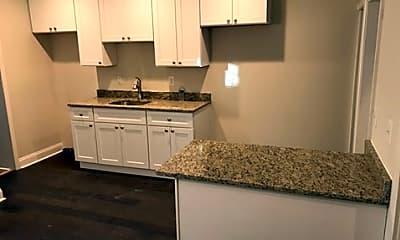 Kitchen, 3415 Ravenwood Ave, 0