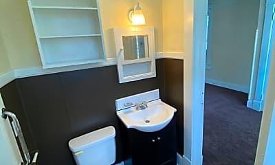 Bathroom, 2306 Devine St, 2