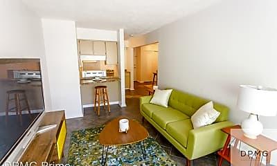 Living Room, 319 E Hillsdale St, 1