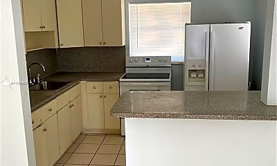Kitchen, 790 NW 28th Ave 2, 1