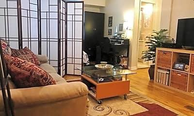 Living Room, 295 York St A, 1