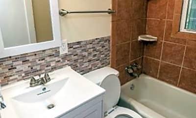 Bathroom, 3328 Penway Ave, 2