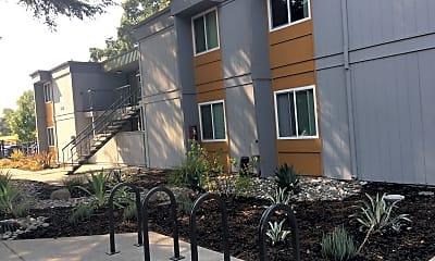 University Village Sacramento, 0