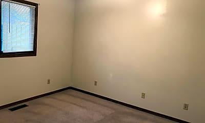 Bedroom, 401 E Adams St, 2