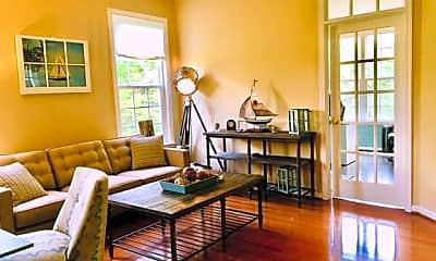 Living Room, 2012 Baythorne Rd, 1