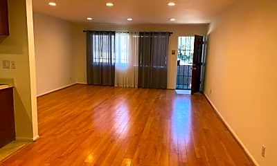 Living Room, 404 Concord St, 1