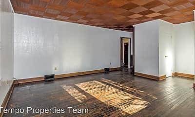 Living Room, 1305 N Lincoln St, 1