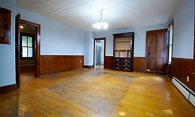 Living Room, 805 10th St W, 1