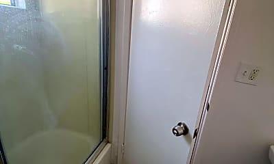 Bathroom, 1765 Magnolia Ave, 2