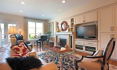 Living Room, 128 SW Gibbs St, 1
