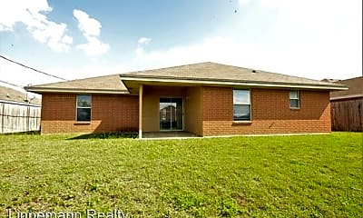 Building, 3907 Roundrock Dr, 2